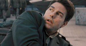 Tom Cruise despertando muerte en la película Al filo del mañana
