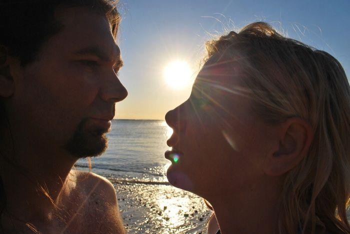 Pareja en el mar y relaciones tóxicas