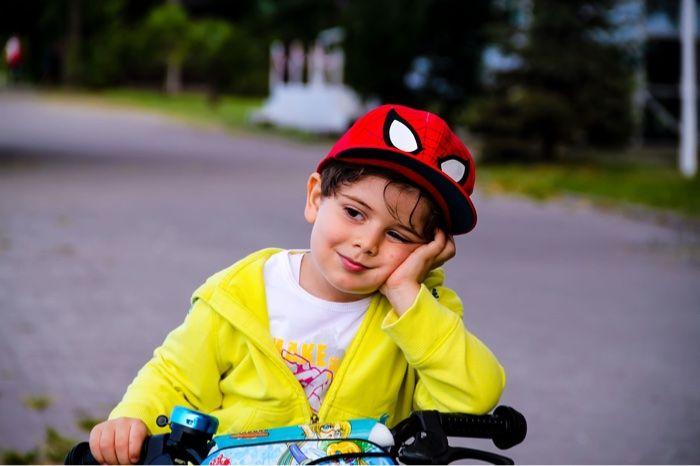 Niño con días de desgana y aburrimiento