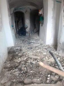 Destrucción del suelo del pasillo casa cueva
