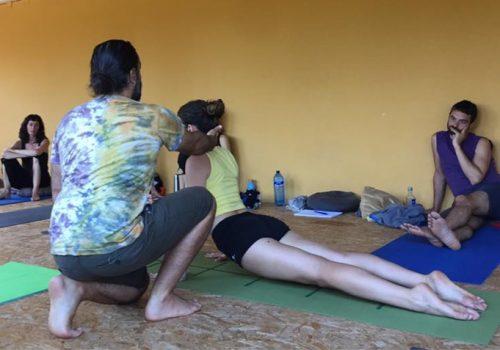Práctica de yoga dinámico con Jose Luis Cabezas y Luna