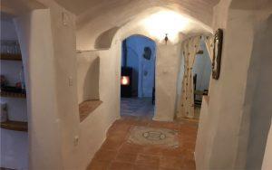 Pasillo central de la Casa Cueva La Luz