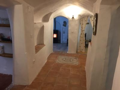Zona de pasillo en la Casa Cueva la Luz