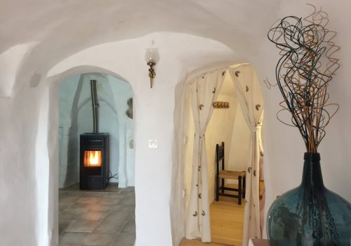 Interior de una casa hobbit actual