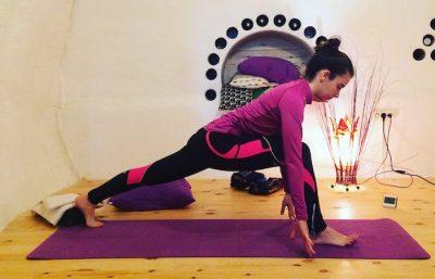 Portada clases regulares online de yoga impartidas por Luna